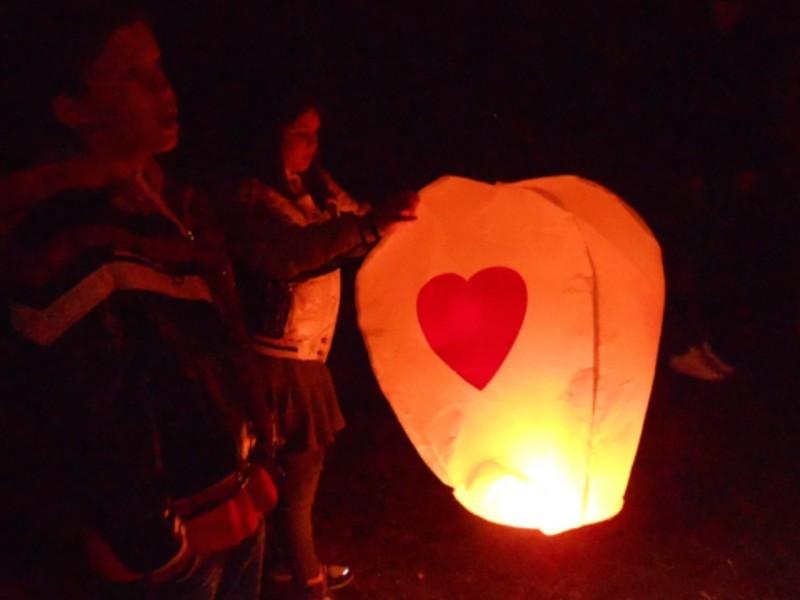 Lanterna Volante con cuore rosso