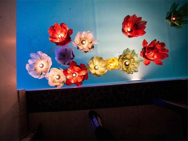 Ninfea - Lanterne Galleggianti luminosi da mettere in piscina per un matrimonio, un compleanno, un anniversario, una festa aziendale, festa del comune o della parrocchia.