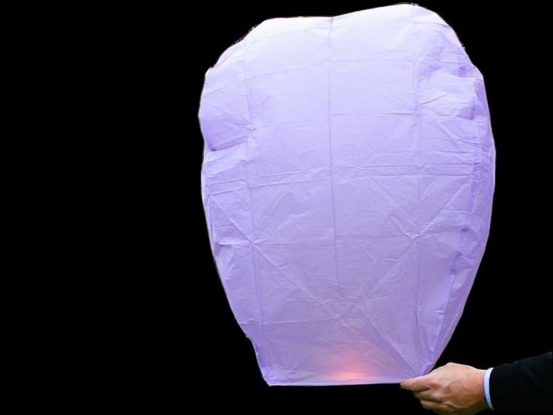 Lanterne volanti colore viola: Una serata con le lanterne volanti, in villa, in giardino, in spiaggia, in montagna, sul campo del calcio, a scuola o in piazza sarà una serata indimenticabile