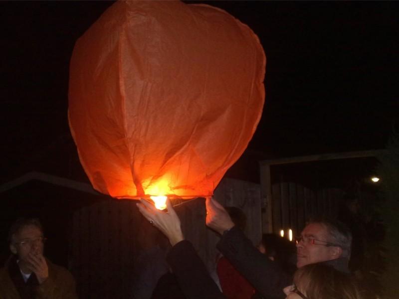lanterna volante arancione: La festa del comune, la sagra, la festa aziendale, le nostre lanterne volanti fanno sempre bella figura. Professioniste scelgono le nostre lanterne volanti luminose, non è per caso che siamo da sempre in prima posizione sulle macchine di ricerca