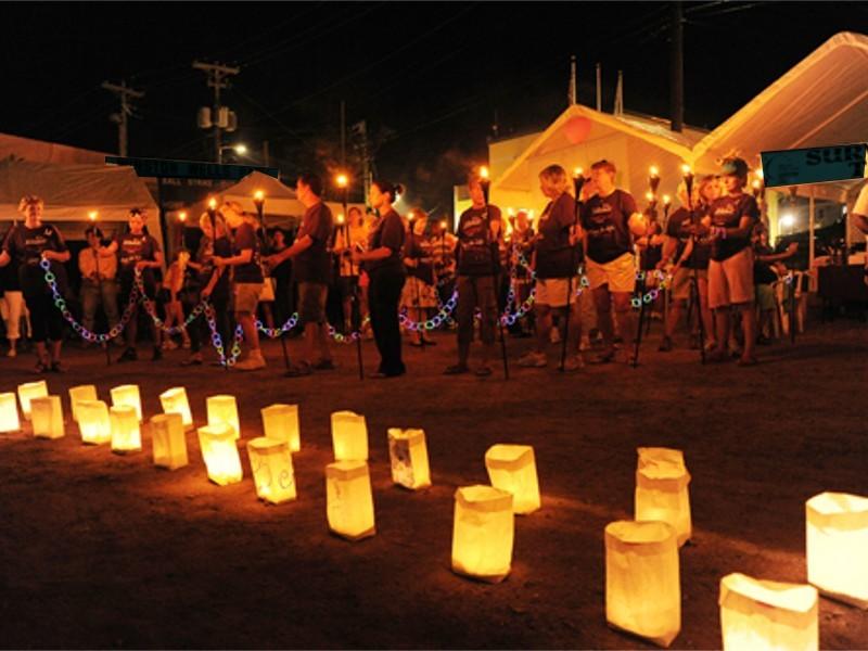 Sacchetti luminosi di carta per illuminare un percorso, sagra, festa, matrimonio o compleanno