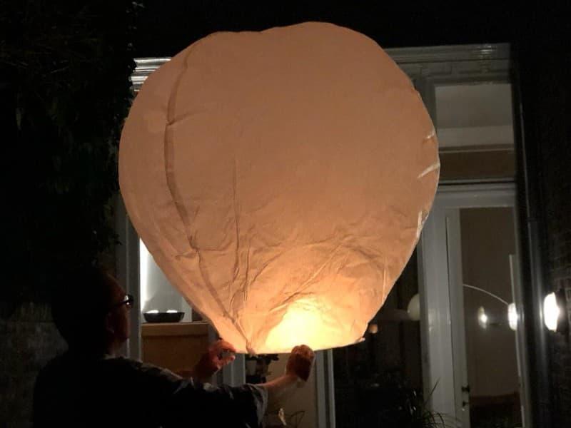 super grote witte wensballonnen in de vorm van een hete luchtballon, klassiek model, 150 cm hoogte, perfect voor een bruiloft of willekeurig ander feest, klaar voor gebruik, brandwerend en biologisch afbreekbaar papier