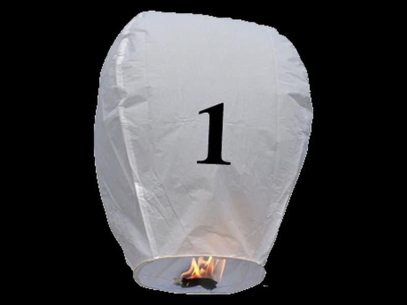 witte wens ballon vliegende lantaarn klaar voor gebruik, gemaakt met brandwerend en biologisch afbreekbaar papier, sterke brander, het volstaat de lantaarn te openen, de brander aan te steken en hij vliegt vanzelf, schrijf je wens in de lucht met deze vliegende lantaarn met nummer