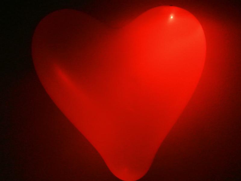 Palloncino rosso a forma di cuore con luce di LED per matrimoni