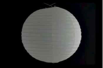 Lanterna Giapponese tonda di carta di riso, con gancio, basta aprire ed appendere, utilizzo facile, per illuminare d'entro o fuori con luce elettrica o ance con LED a batteria, per una festa o l'arredamento, colore della lanterna orientale: bianca e diametro 20 cm