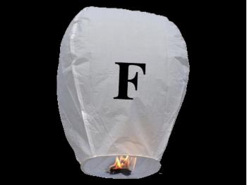 witte wens ballon vliegende lantaarn klaar voor gebruik, gemaakt met brandwerend en biologisch afbreekbaar papier, sterke brander, het volstaat de lantaarn te openen, de brander aan te steken en hij vliegt vanzelf, schrijf je wens in de lucht met deze vliegende lantaarn met letter F