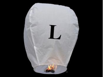witte wens ballon vliegende lantaarn klaar voor gebruik, gemaakt met brandwerend en biologisch afbreekbaar papier, sterke brander, het volstaat de lantaarn te openen, de brander aan te steken en hij vliegt vanzelf, schrijf je wens in de lucht met deze vliegende lantaarn met letter L