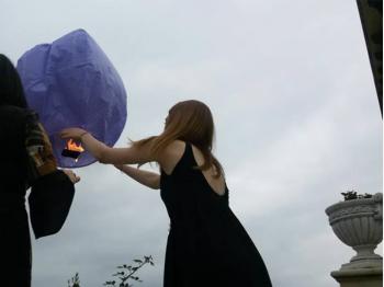 paarse wensballonnen in de vorm van een hete luchtballon, klassiek model, perfect voor een bruiloft of willekeurig ander feest, klaar voor gebruik, brandwerend en biologisch afbreekbaar papier