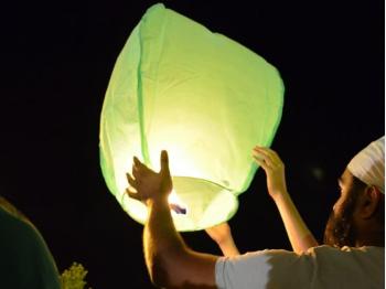 groene wensballonnen in de vorm van een hete luchtballon, klassiek model, perfect voor een bruiloft of willekeurig ander feest, klaar voor gebruik, brandwerend en biologisch afbreekbaar papier
