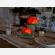 Le lanterne galleggianti luminosi di carta di riso in tavola per una cena speciale
