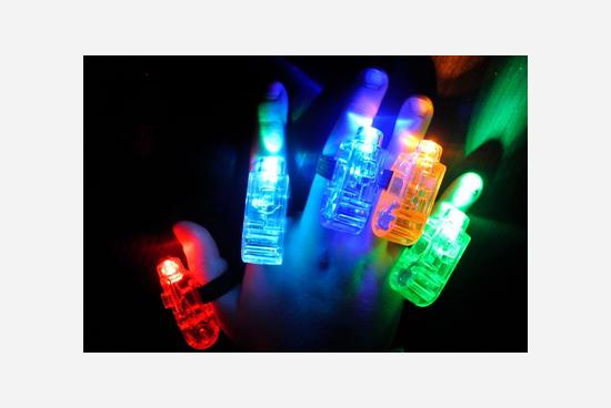 Anelli Luminosi LED 5 pezzi divertenti per ragazzi